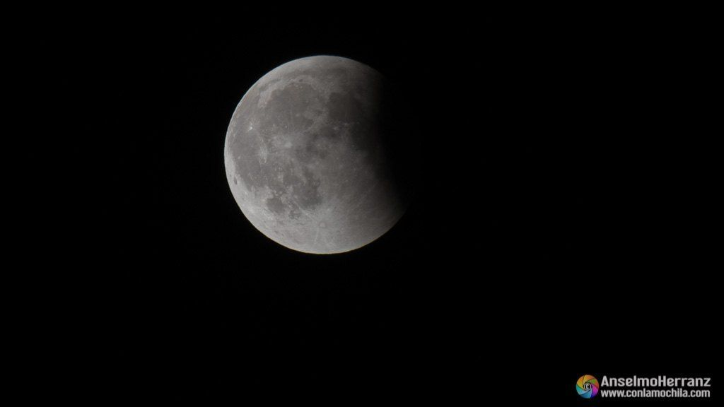 Eclipse lunar de julio de 2018 en su fase final - Segovia