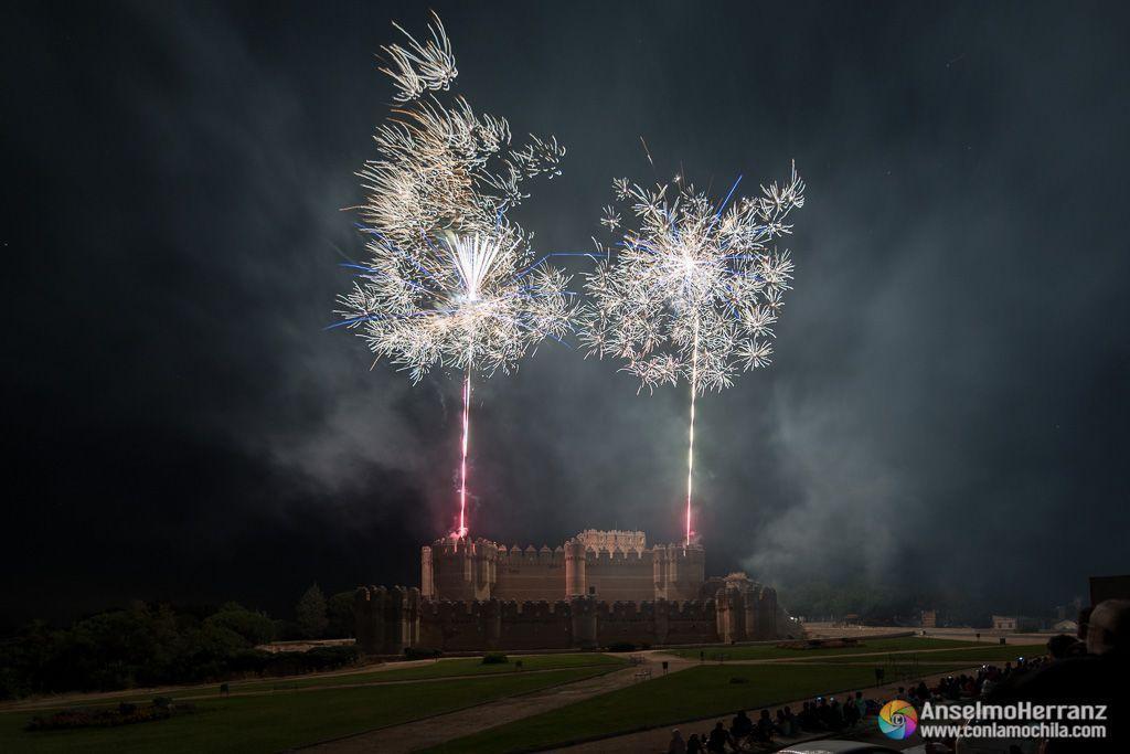 Castillo de coca y fuegos artificiales - Castillo de Fuego - Coca - Segovia