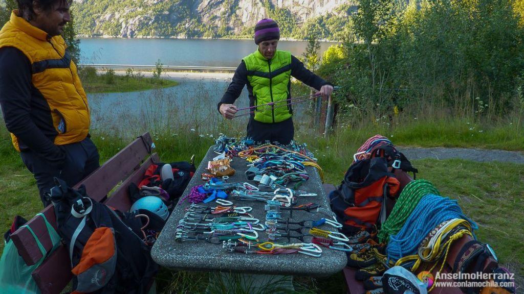 Material de escalada para el Stetind - Noruega