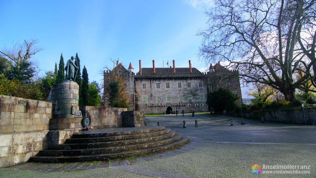 Palacio de Guimaraes - Entrada Pricipal - Guimaraes - Portugal