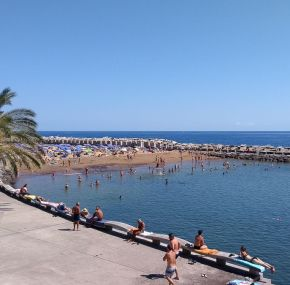 La playa de Calheta. Un baño en la primera playa de arena de Madeira