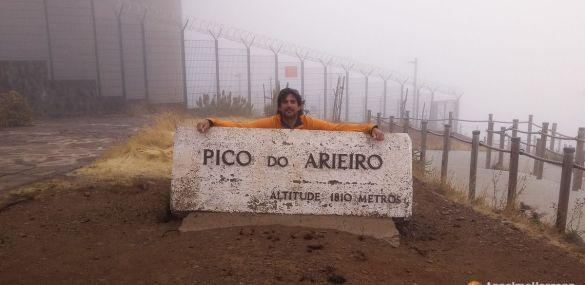 El mirador de Pico do Areeiro o Arieiro; con niebla y con sol.