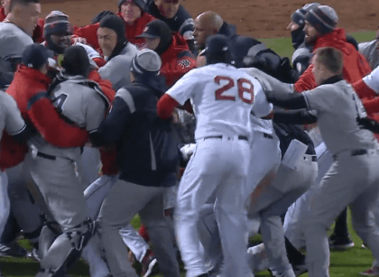 Yankees beat the Red Sox with a boxing match included