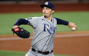 Blake Snell igualó a Sandy Koefax