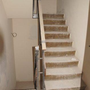 Betonnen trappenhuis