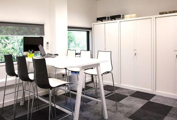 wheatley-offices-white-104b22b3-863e0d78