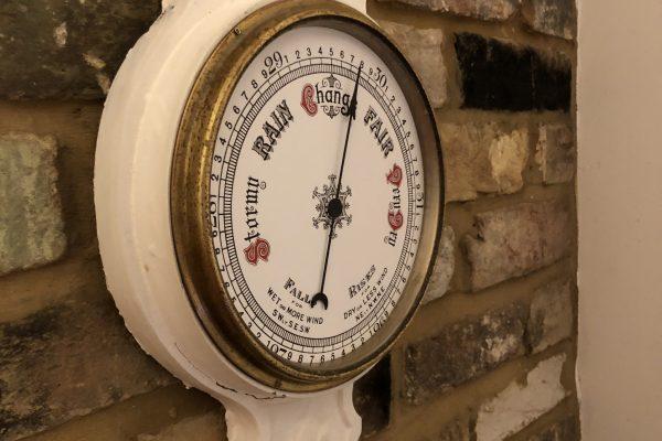 Digital Barometer using MQTT Data