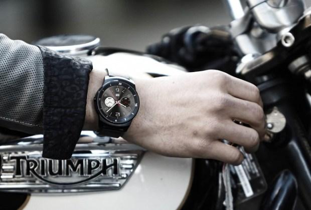 LG G Watch R on Wrist