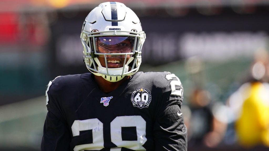 Raiders-Packers Preview: Derek Carr, Josh Jacobs Lead Oakland Into Green Bay