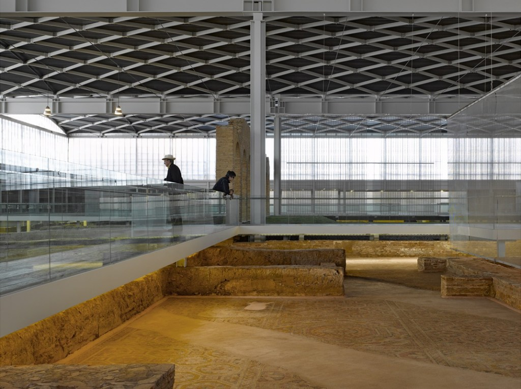 El Museo Arqueológico de Almería es una de las obras que expondrán durante la Bienal de Arquitectura de Venecia. Foto: Roland Halbe.