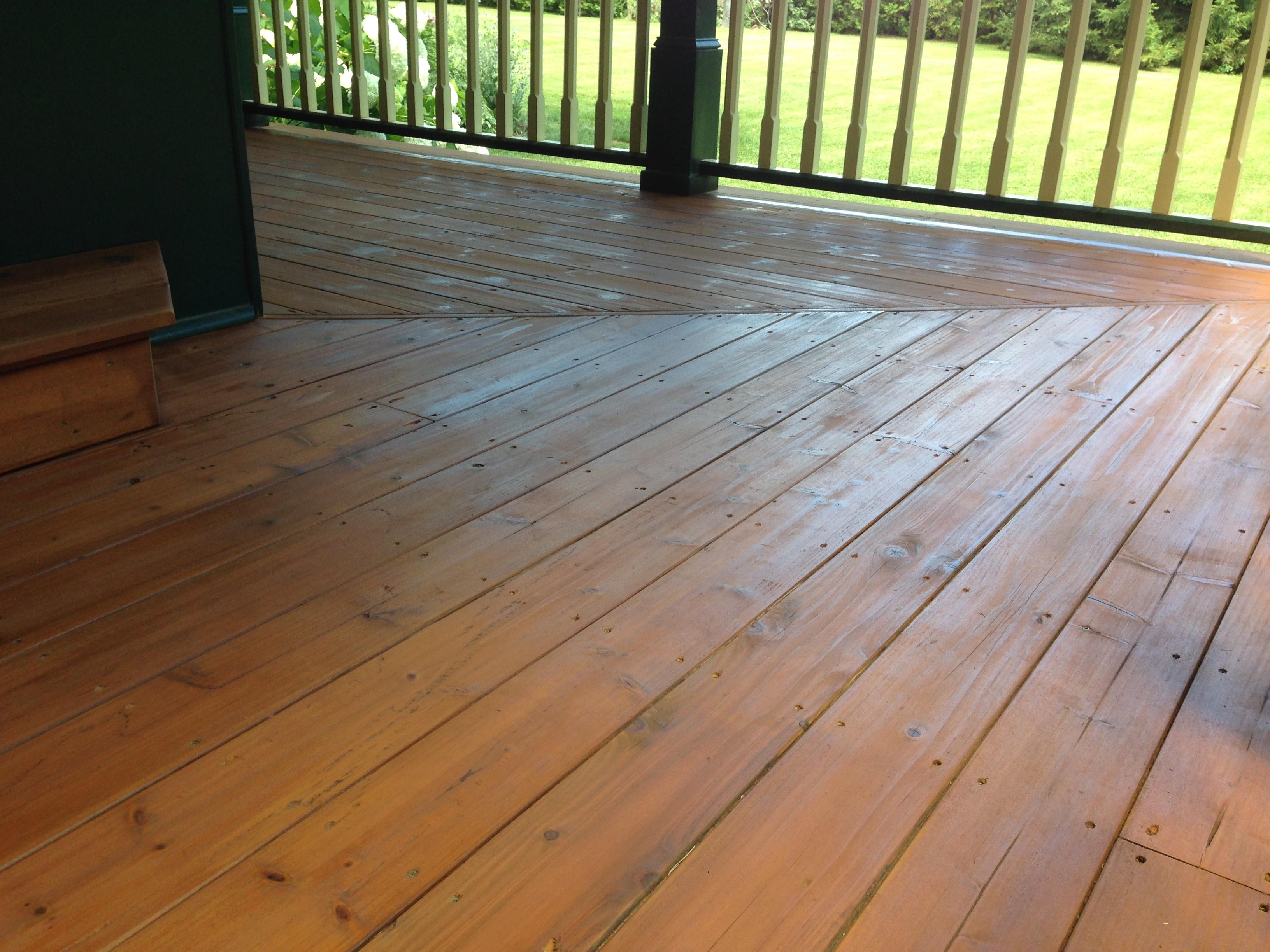 Deck contractor Bowmanville