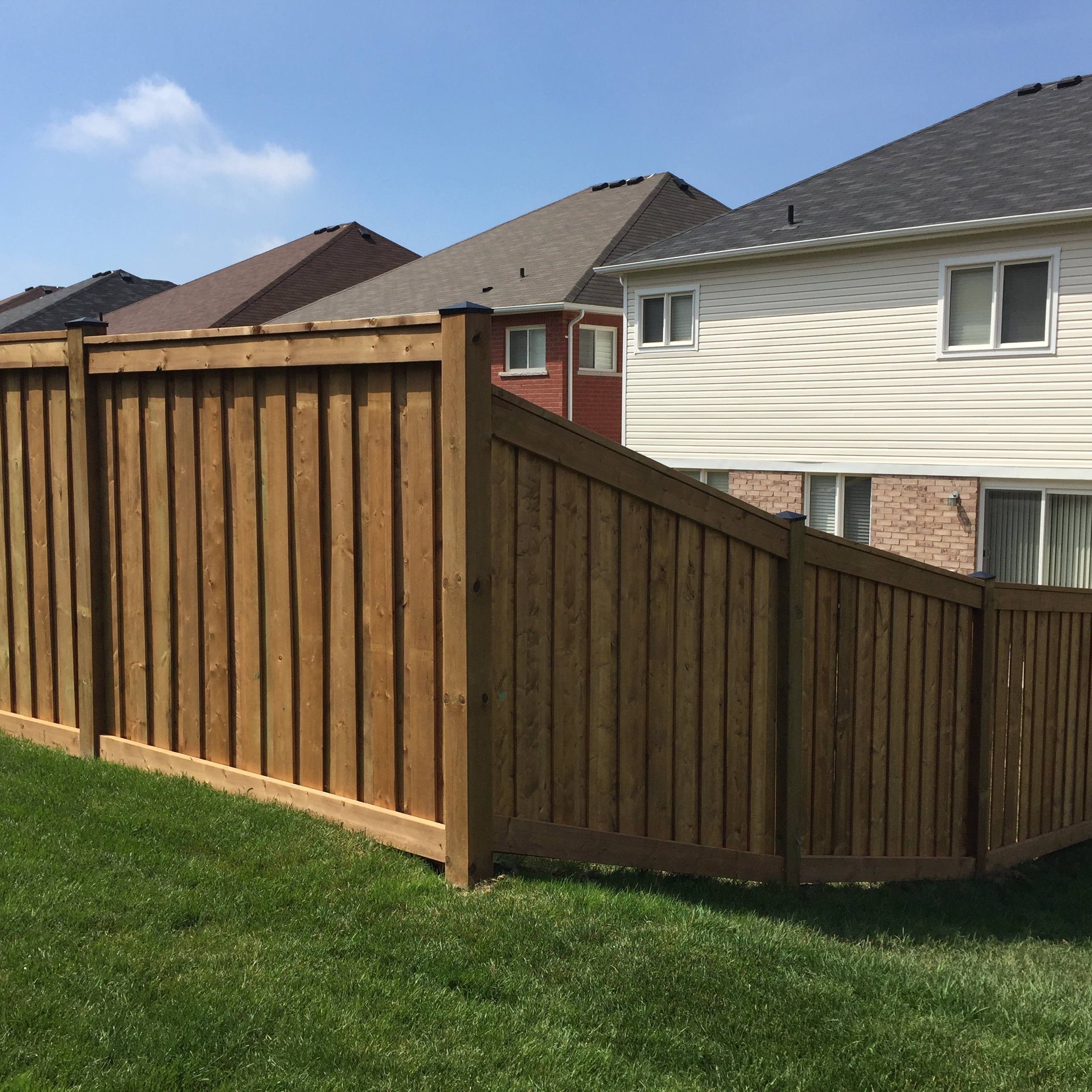 fence contractor oshawa