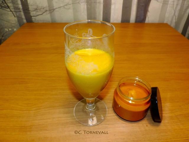 Recept guldmjölk Gurkmeja peppar kajennpeppar kardemumma honumg vanilj 03