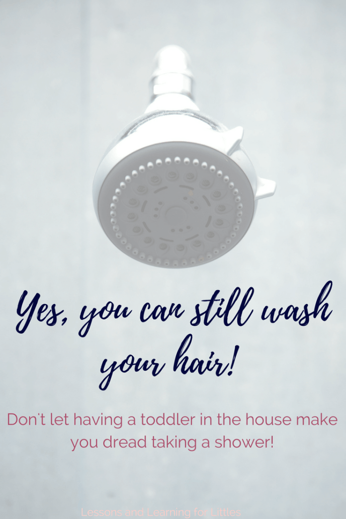 Do you find yourself struggling to get out of the house on time in the mornings? Does getting ready for your day stress you out? Try these ideas for occupying #babies #toddlers and #preschoolers while you shower or get ready for your day. #motherhood #morningroutine #toddlerroutine #screenfree