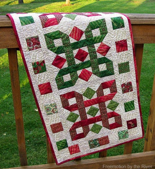 25 Free Christmas Quilt Patterns And Tutorials Tis The Season Tablerunner