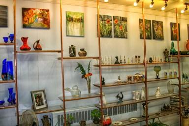 Connoisseur Inside Studio