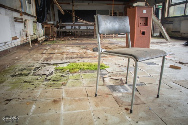 Carmel-College-Oxfordshire-Urbex-Labs-Chair