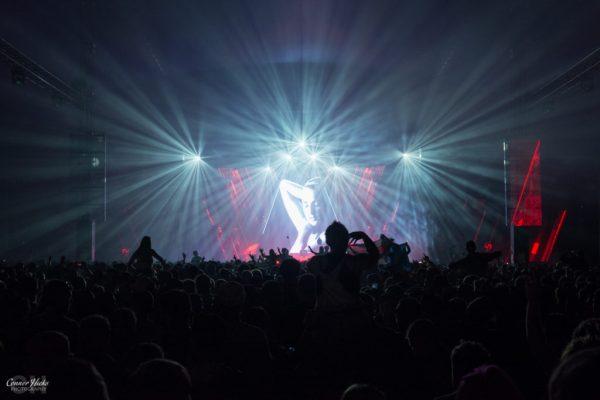 Armin-Van-Buuren-Crowd-Shot-Creamfields
