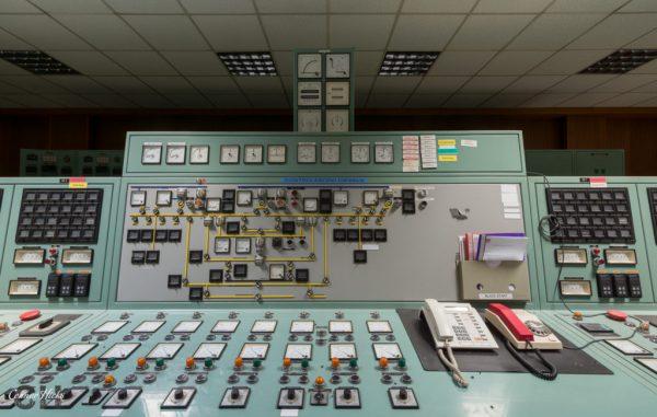 control panel diesel farm belgium urbex