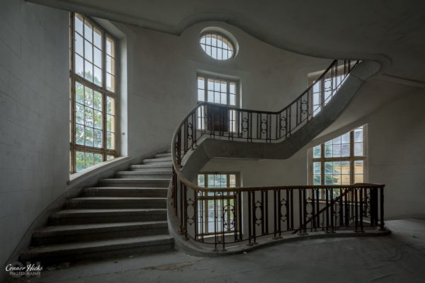 Haus Der Offiziere stairs urbex germany