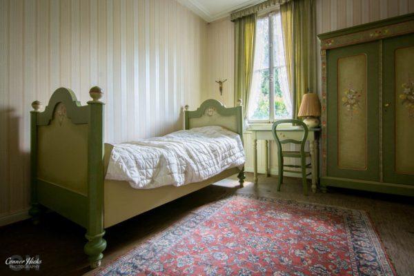 germany urbex hunters hotel bedroom
