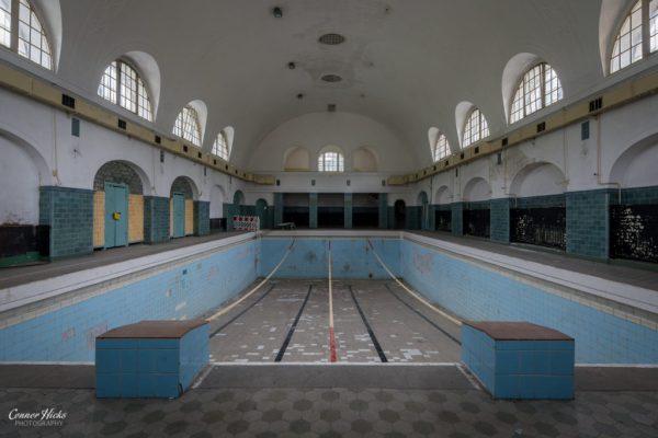 swimming pool urbex Haus Der Offiziere