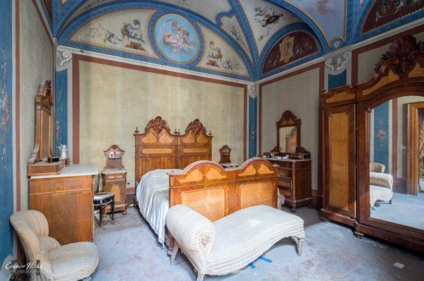 Abandoned Villa Italy Urbex