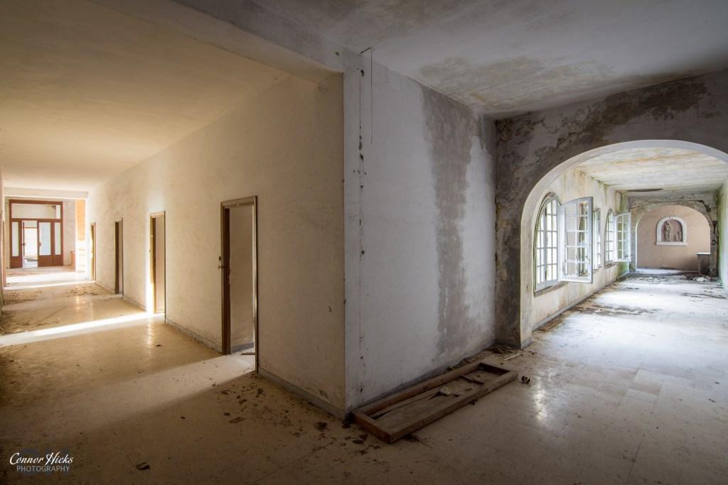 hallway Monastery SB urbex italy 1024x683 Monastery SB, Italy