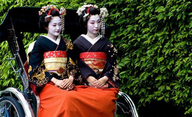 Maikos en el distrito de Gion