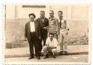 """Desde la izquierda el cambullonero, Antonio Francés Barrios, Francisco Ortega """"Manrubia"""" y Pacuco. El nombre de la segunda persona desde la izquierda es Antonio Francés Barrios. Fue tio mio. Saludos Silvestre Salazar Frances"""