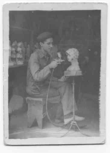 Juan Marquez. Fábrica de figuras Calle Osorio