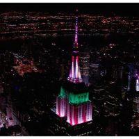Empire State Building celebra la Navidad con un espectacular juego de luces