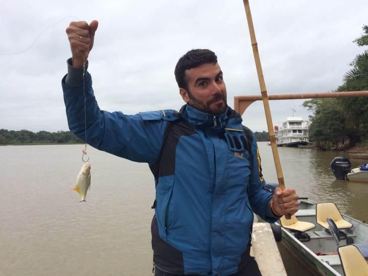 viajar al pantanal de brasil - pesca en el río