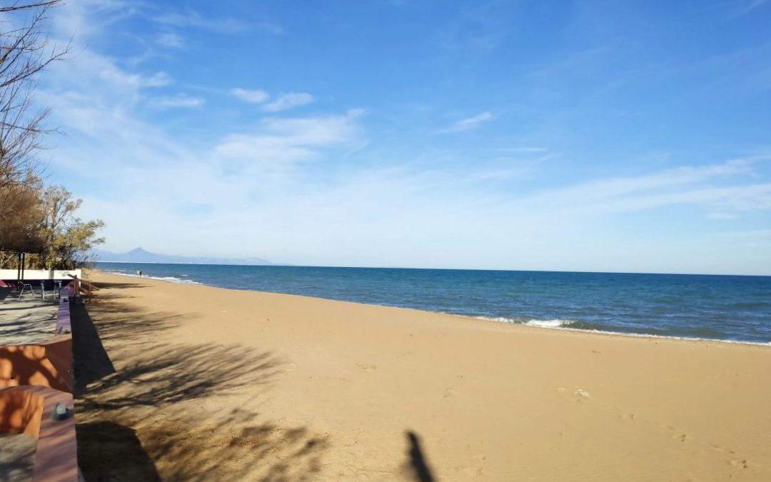la playa de las marinas