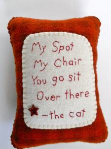 felted_cat_pillow