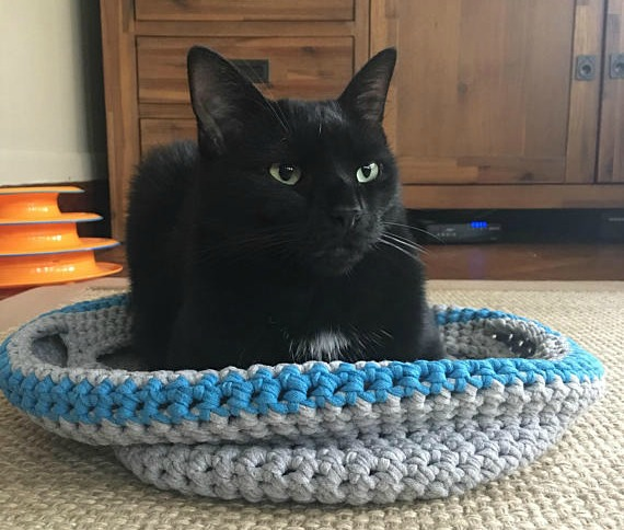 crochet-cat-bed