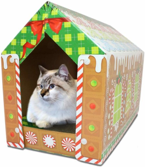 gingerbread-house-cat-scratcher