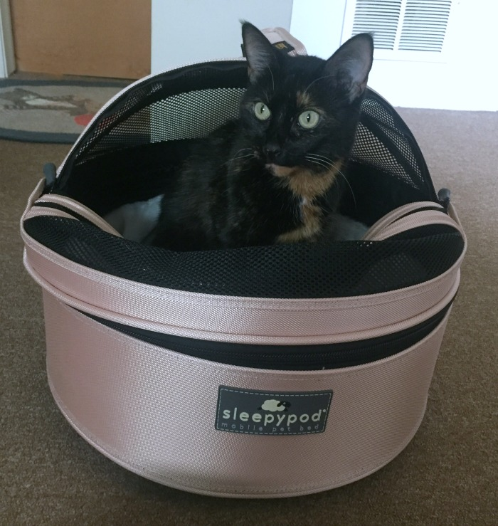 sleepypod-first-blush-mobile-pet-bed