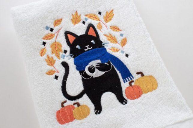 fall-cat-towel