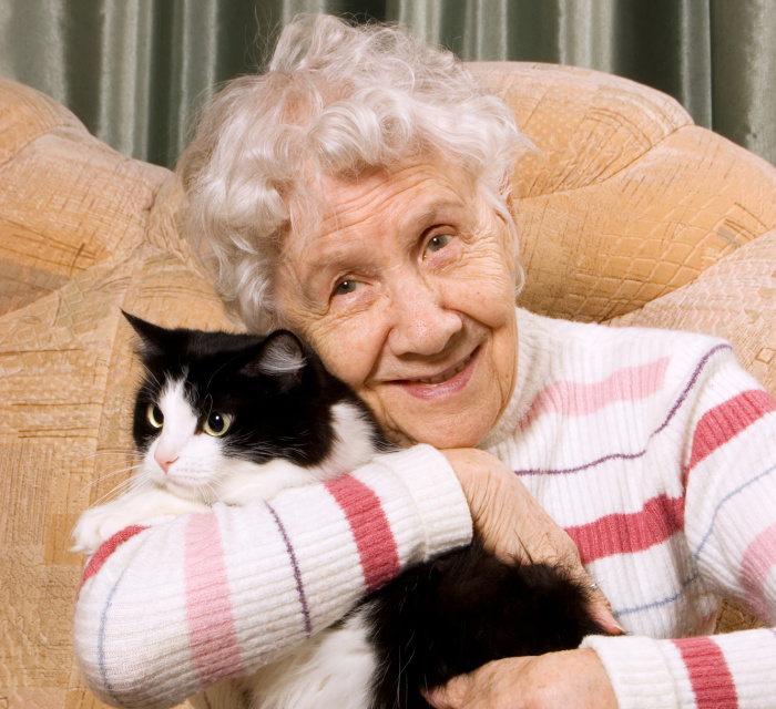 elderly-woman-with-cat