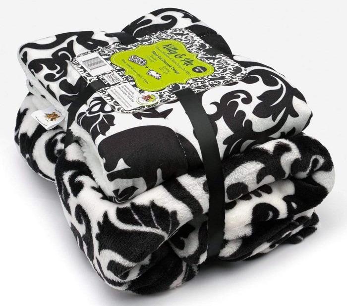 fleece-blanket-cat-mat