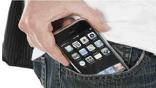 Male-Fertility-Negatively-Affected-by-Cell-Phones
