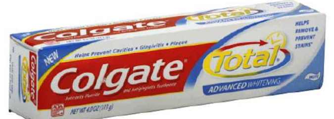 Best-Selling Toothpaste Still Contains Hazardous Endocrine-Disrupting Triclosan