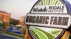 A sign directs visitors and patients to the St. Luke's Rodale Institute Organic Farm, adjacent to the hospital. Photo credit: Bill Noll