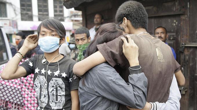 nepal-earthquake-aftermath-people-hugging