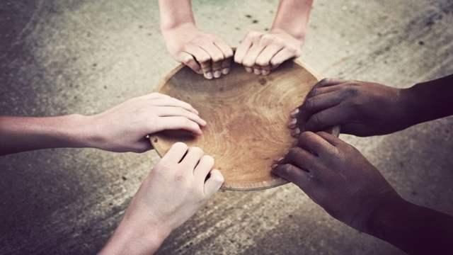 Hands-Around-An-Empty-Bowl-Hunger