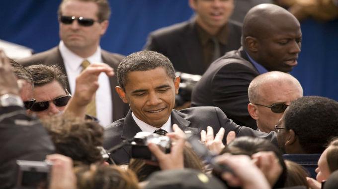 ObamawithArmedSecurity-680x380