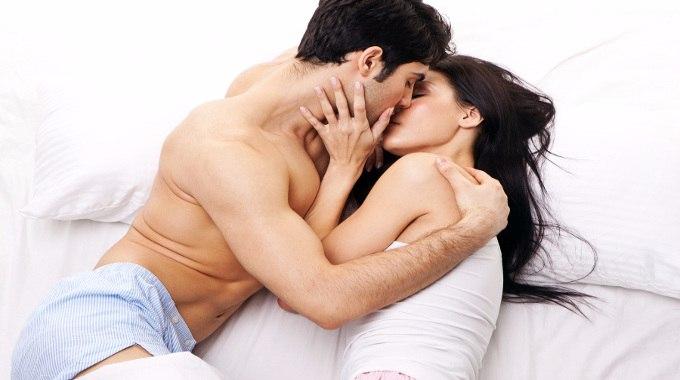 Romance-of-romantic-couple-compressed