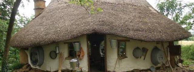 This Charming Eco-Friendly Cob House Was Built By Hand for Only $250! (Video)