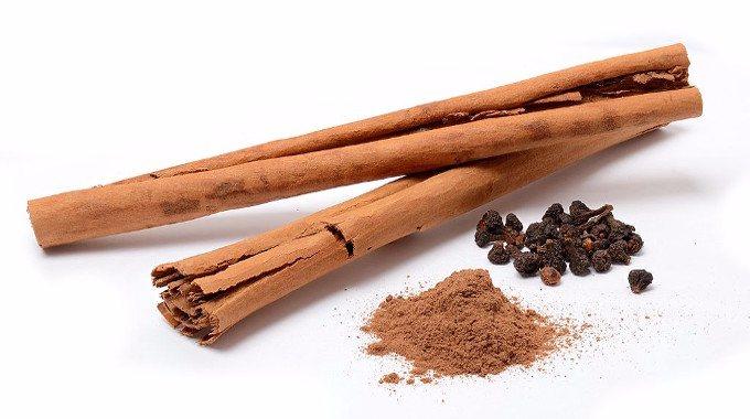 Cinnamomum verum spices-compressed